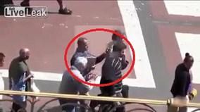 Dàn trận cướp đồ nhanh như chớp, chính nạn nhân cũng không nhận ra