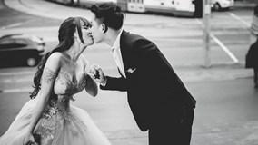 Lê Hoàng The Men cầu hôn bạn gái Việt Huê ở Australia