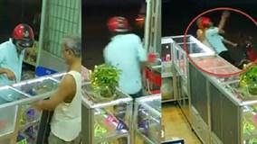 Clip chủ cửa hàng 70 tuổi quật ngã tên cướp iPhone 6 gây bão mạng