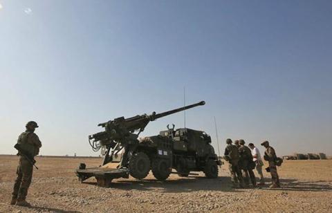 Siêu pháo Caesar đánh Mosul: Mạnh mẽ nhưng... không hiệu quả  - Ảnh 1.