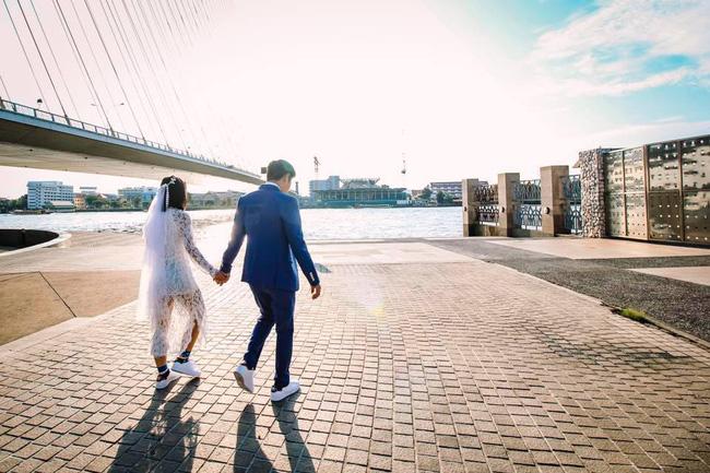 Màn nhảy tưng bừng trong tiệc cưới của cô dâu dancer: Mình cưới mà, cứ vui thôi! - Ảnh 6.