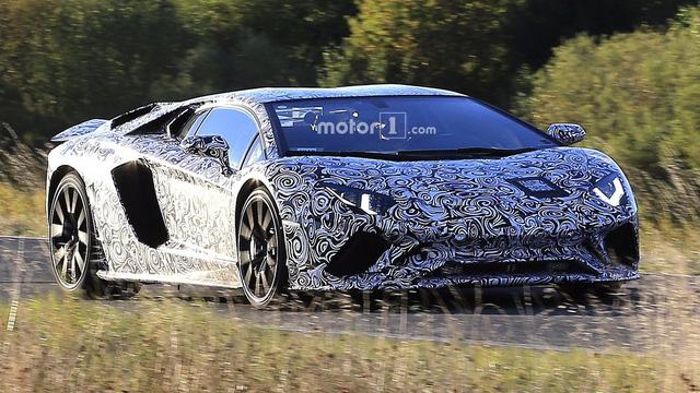 Lamborghini gây tò mò bằng video úp mở về siêu xe mới - Ảnh 2.