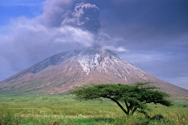 Ngã vào dung nham vẫn có thể sống sót - điều xảy ra duy nhất tại ngọn núi lửa lạnh nhất thế giới này - Ảnh 5.