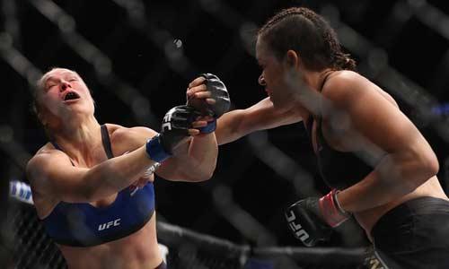 """Thua te tua, """"Nữ hoàng"""" UFC bị cả thế giới cười nhạo - 4"""
