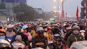 Hà Nội: Ùn tắc nghiêm trọng cuối kỳ nghỉ Tết dương lịch