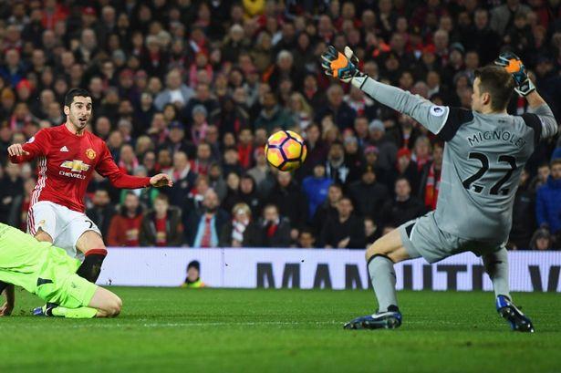 Pogba quá ngây thơ giữa màn đấu trí cân não Mourinho - Klopp