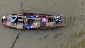 Đi chuộc cá phóng sinh ở Sài Gòn ngày đưa ông Táo về trời