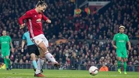 """Ibrahimovic """"nổ"""" hat-trick, MU đè bẹp St Etienne"""