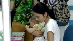 Kỳ lạ: Bé trai sốt li bì suốt 2 tháng sau tiêm vắc xin lao