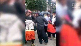 Bắt vợ 'tụt cả váy' ở Sơn La: Cô gái gào khóc, tìm cách trốn trong vô vọng