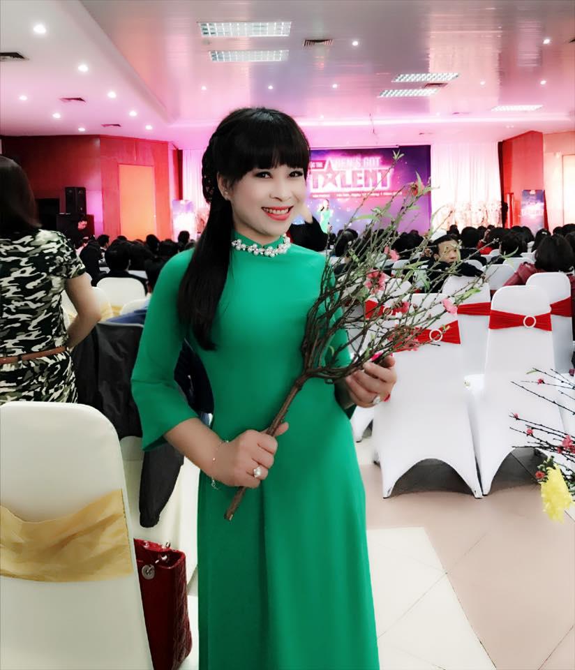 """Nhờ bí quyết này, bà mẹ U50 ở Lào Cai trẻ đẹp """"ăn đứt"""" gái 18 - 2"""