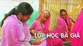 Kỳ lạ lớp học bà già ngập một màu hồng ở Ấn Độ