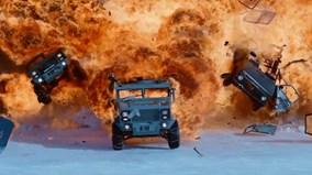 """""""Fast and Furious 8"""" với hàng loạt cảnh phá xe khiến khán giả sốt xình xịch"""