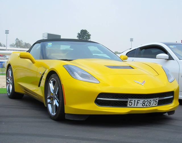 Nữ tay đua đốt lốp Chevrolet Corvette C7 Stingray mui trần tại trường đua 2.000 tỷ Đồng của Dũng lò vôi - Ảnh 5.
