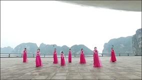 """'Sốt xình xịch"""" màn flashmod hit 'Nơi này có anh' phiên bản hanbok"""