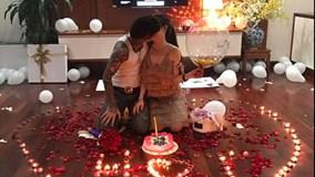 Anh chồng 'tâm lý nhất Vịnh Bắc Bộ' mở tiệc 'song sinh' siêu lãng mạn