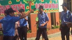 Làm rõ vụ bảo vệ xông vào trường học rút súng đòi bắt người