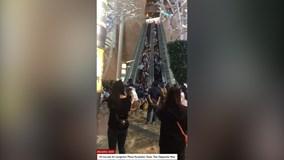 Thang máy bất ngờ đổi hướng, 18 người bị thương ở Hong Kong
