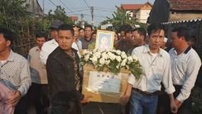 Nghẹn ngào giây phút thi thể bé gái Việt bị sát hại ở Nhật về với gia đình