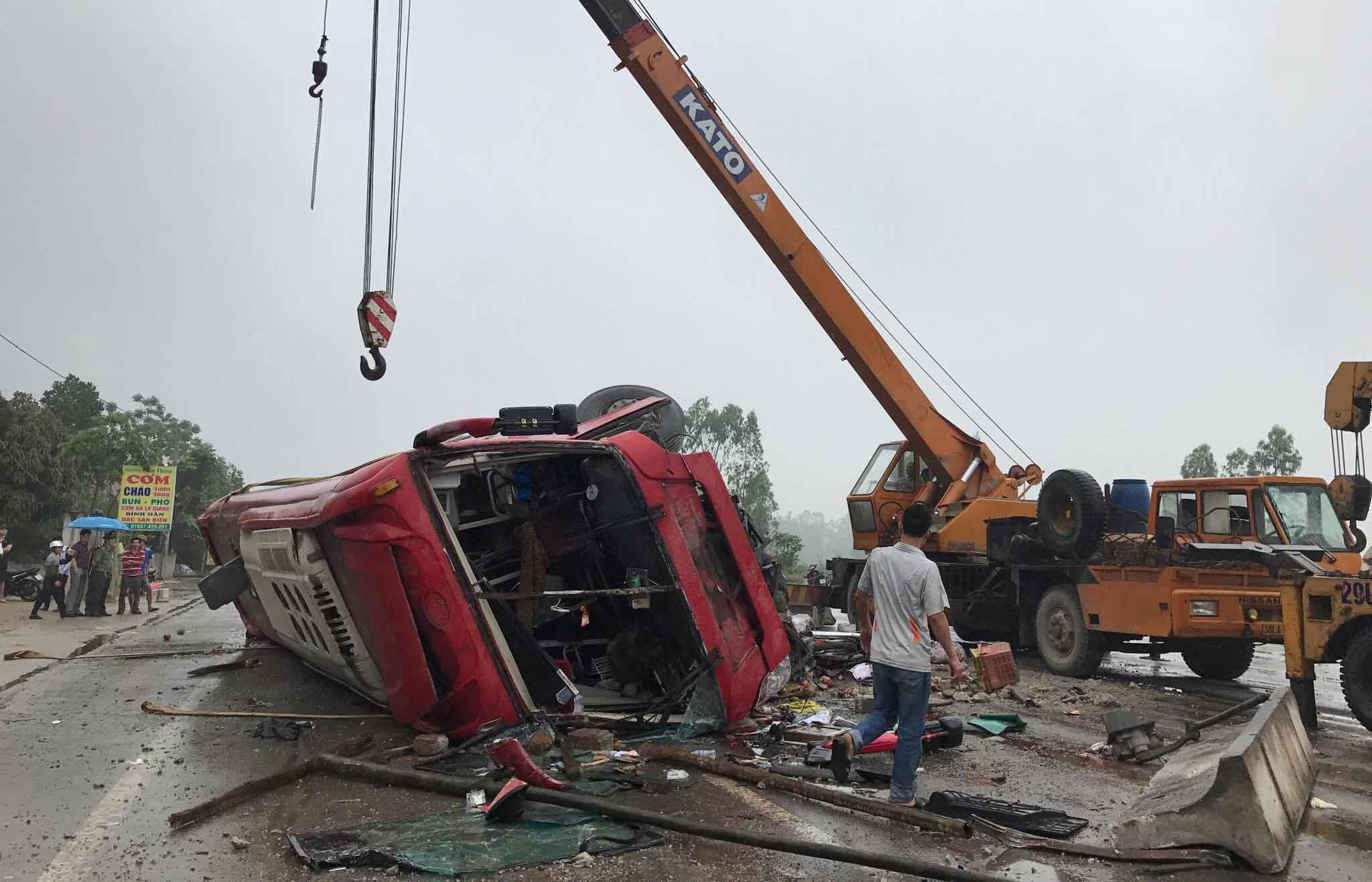 tai nạn giao thông, xe khách lật, xe khách nổ