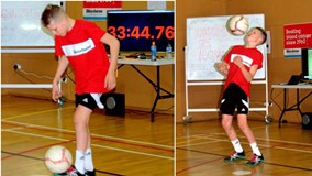 Cậu bé 13 tuổi lập kỷ lục thế giới về khả năng tâng bóng