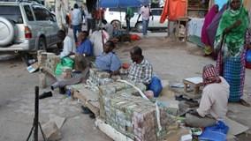 Người dân Somaliland bán tiền để kiếm sống