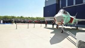 """Xem """"Chim sắt"""" đắt đỏ F-35B cất cánh và hạ cánh trên tàu sân bay"""