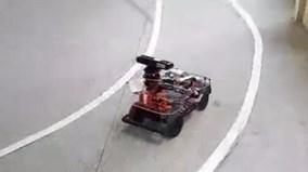 Sinh viên Học viện Kỹ thuật Quân sự chạy thử xe tự hành