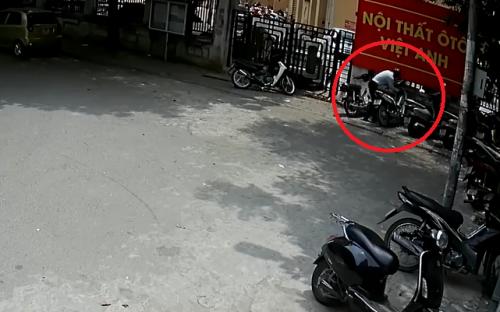 clip: xe may lap smartkey van bi trom be khoa trong tich tac hinh anh 1