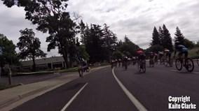 Drone bất ngờ hạ đo ván tay đua xe đạp