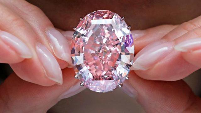 Vì sao giới siêu giàu chuộng đầu tư kim cương màu? - Ảnh 1.