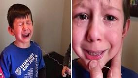 Clip hài hước cậu em nghịch ngợm giúp anh trai nhổ răng