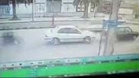 Kết cục bất ngờ khi xe máy đâm đuôi ôtô