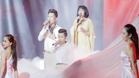 Cẩm Vân gây xúc động khi hát 'Cát bụi' cùng 2 học trò Đông Nhi