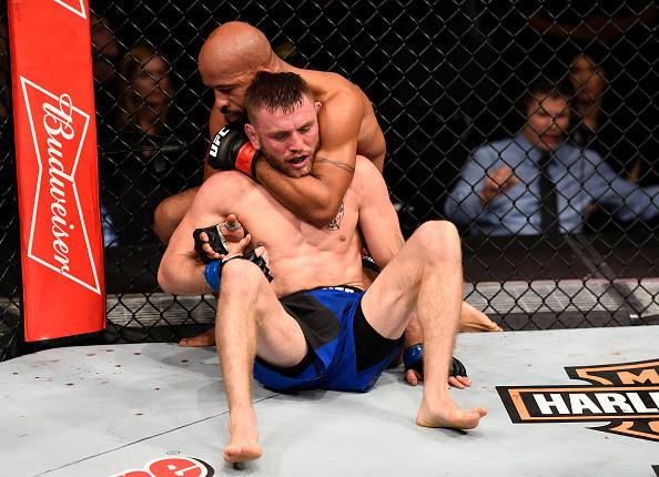 Vo si goc Viet Ben Nguyen tren duong tro thanh ngoi sao moi tai UFC hinh anh 1