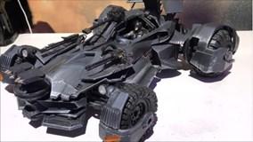 Xe Batman mô hình điều khiển bằng iPhone