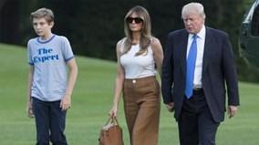 Theo chân ông Trump đón vợ và 'thái tử' út đoàn tụ trong Nhà Trắng
