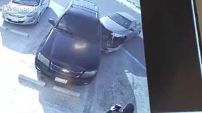 Lái non, Toyota vỡ đầu xe vì va chạm với Chevrolet