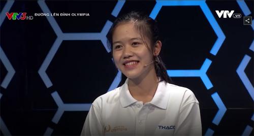 "hai co gai xinh dep ""gay bao"" chuong trinh olympia 2017 hinh anh 8"