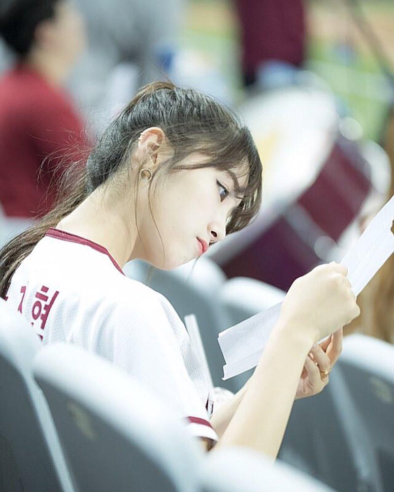 Co gai xinh dep duoc menh danh 'Seolhyun cua gioi cheerleader' hinh anh 9