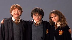 Gần 700 em nhỏ hoá trang thành Harry Potter phá kỷ lục Thế giới
