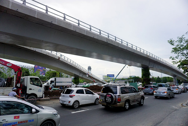 Công trình thi công không gây ảnh hưởng tới các phương tiện lưu thông.