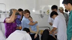 Khoảng 400 công nhân nhập viện nghi ngộ độc thực phẩm