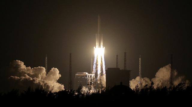 Trung Quốc phóng tên lửa Trường Chinh-5 thất bại. (Ảnh: Reuters)