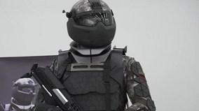 Nga ra mắt quân phục chiến binh như phim viễn tưởng