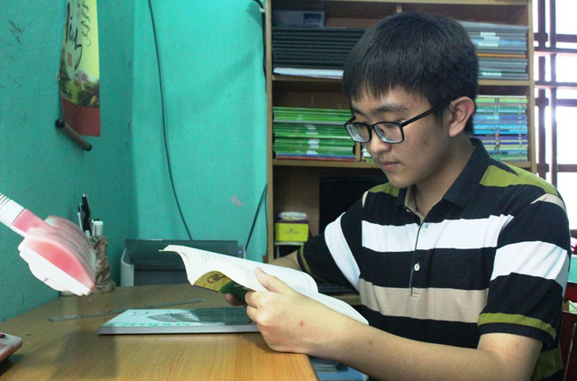 Phương châm của Đăng là sau khi đã nắm vững kiến thức sách giáo khoa thì mới tập trung vào ôn luyện, tham khảo thêm các dạng bài tập, đề thi nâng cao