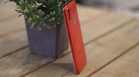 Trải nghiệm nhanh smartphone giá 3 triệu có thiết kế giống iPhone 8