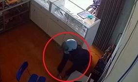 Bà bầu lẻn vào cửa hàng trộm iPhone nhanh như chớp