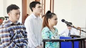 Án tù 3 người tạt axit làm nữ sinh mù mắt