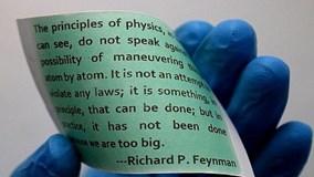Độc đáo phát minh giấy 'bất tử' dùng mãi không hỏng